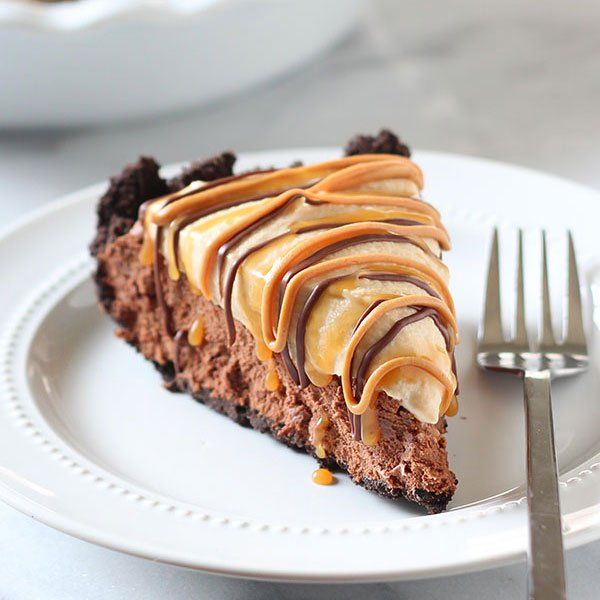 Chocolate Peanut Butter Caramel Mousse Pie