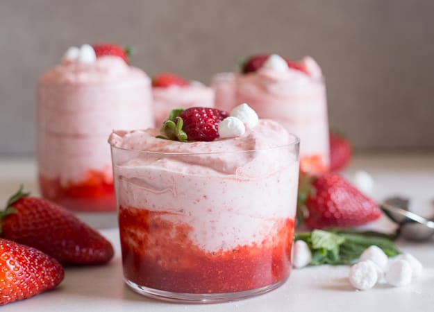 Easy Fresh Strawberry Mousse